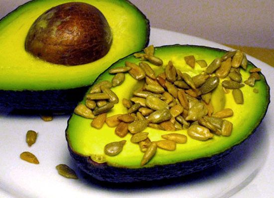 Simple Power Snacks – Avocado and Sunflower Seeds